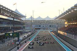 Partenza: Lewis Hamilton, Mercedes AMG F1 al comando