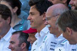 Toto Wolff, Mercedes AMG F1 Hissedarı ve Genel Müdürü ve Dr. Dieter Zetsche, Daimler AG CEO takım fo
