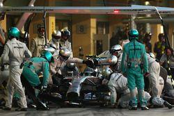 Nico Rosberg, Mercedes AMG F1 W05 entra a los pits