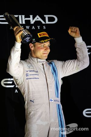 Valtteri Bottas, Williams podyumda üçüncü sıra için kutlama yapıyor