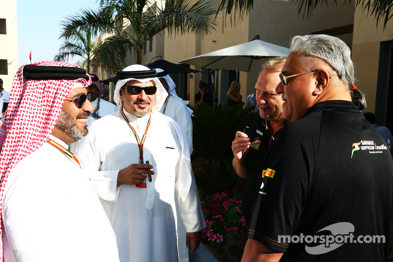 Dr. Vijay Mallya, dueño del Sahara Force India F1 Team, y Robert Fernley, director del equipo Sahara