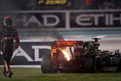 Pastor Maldonado, Lotus F1 E21 si ritira dalla gara con motore in fumo