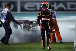 Pastor Maldonado abandonne après l'explosion de son moteur