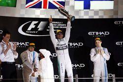 Podyum: Felipe Massa, Williams, ikinci; Lewis Hamilton, Mercedes AMG F1, Yarış galibi ve World Champ