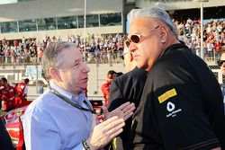 (L to R): Jean Todt, FIA President with Dr. Vijay Mallya, Sahara Force India F1 Team Owner on the grid