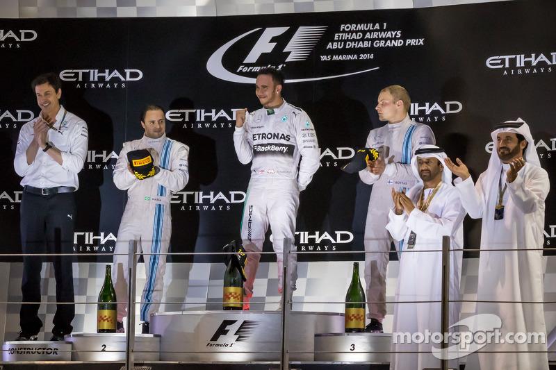 Il podio: Felipe Massa, Williams, secondo; Lewis Hamilton, Mercedes AMG F1, vincitore della gara e c