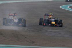 Jean-Eric Vergne, Scuderia Toro Rosso STR9 y Daniel Ricciardo, Red Bull Racing RB10 pelean por la posición