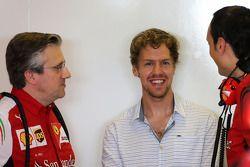 Pat Fry, Scuderia Ferrari, Technical Director and Sebastian Vettel