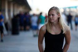Beitske Visser, en el pit lane de GP3