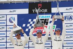 Podio: vincitori Neel Jani, Romain Dumas, Marc Lieb