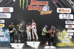 Podium: winners Robert Kubica and Alessandra Benedetti, second place Valentino Rossi and Carlo Cassi