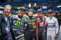 Monster Energy chairman y CEO Rodney Sacks, Ken Block, Valenteno Rossi, Kurt Busch y Lewis Hamilton