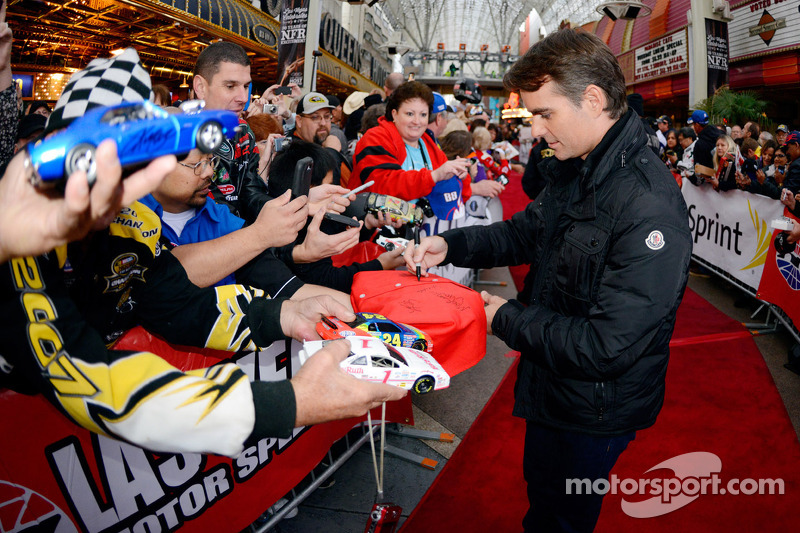 Jeff Gordon, Hendrick Motorsports, signe des autographes