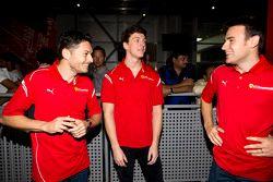 Giancarlo Fisichella, James Calado et Davide Rigon au Ferrari World