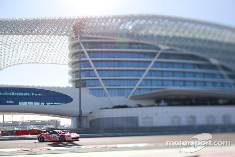 #575 Ferrari 458: David Tjiptobiantoro
