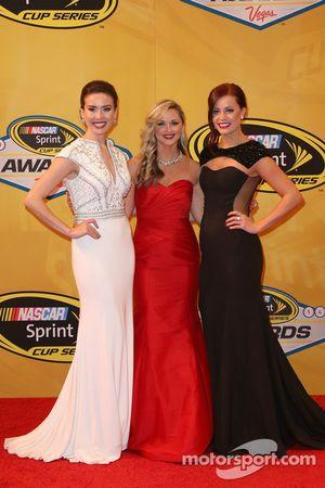 Senhorita Sprint Cups Julianna Branco, Kim Coon, e Madison Martin