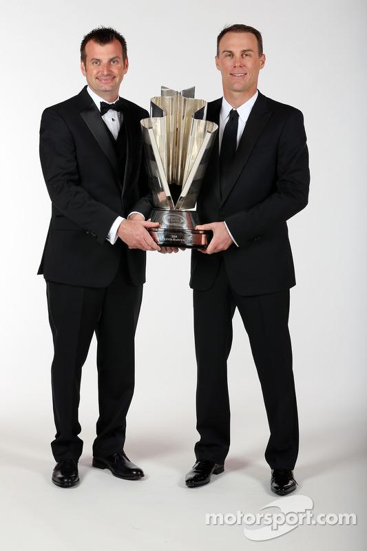 Chefe da equipe Rodney Childers e o campeão da NASCAR Sprint Cup, Kevin Harvick