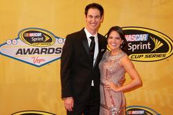 Joey Logano et sa fiancée Brittany Baca