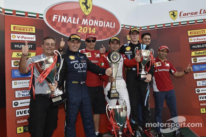World Finals Trofeo Pirelli AM podium: winnaar Ricardo Perez met Kimi Raikkonen en Marc Gene