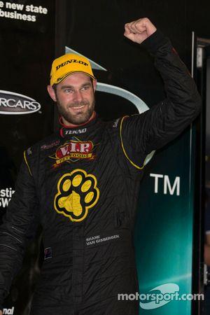 Race winner Shane van Gisbergen, Tekno Team VIP Holden