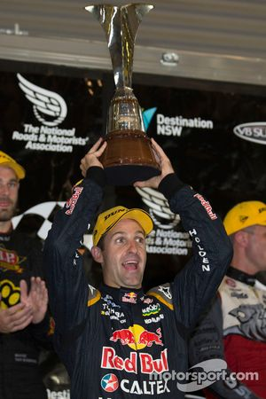 2014 champion Jamie Whincup, Red Bull Holden