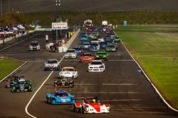 Comienzo: #17 Davidson Racing Norma M20F BMW: Alex Lloy d, Bob Davidson, Brian Frisselle, Kyle Marcelli, Randy Pobst lidera a