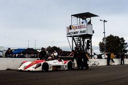 Los ganadores #17 Davidson Racing Norma M20F BMW: Alex Lloyd, Bob Davidson, Brian Frisselle, Kyle Marcelli, Randy Pobst