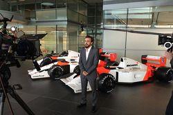 Фернандо Алонсо. Объявление пилотов McLaren, Особое мероприятие.