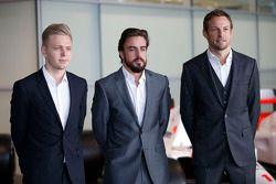 Kevin Magnussen, Fernando Alonso and Jenson Button, McLaren Honda