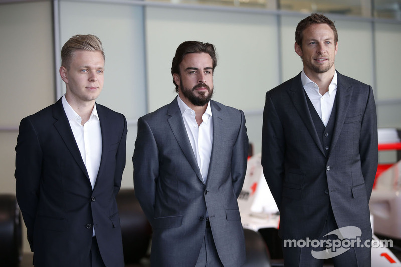 Кевін Магнуссен, Фернандо Алонсо та Дженсон Баттон, McLaren Honda