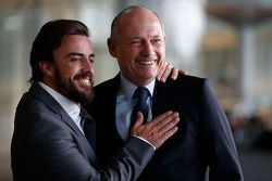 Fernando Alonso en Ron Dennis, voorzitter & CEO van McLaren