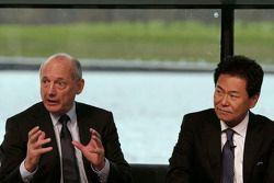 Yasuhisa Arai, baas van Honda Motorsport en Ron Dennis, voorzitter & CEO van McLaren