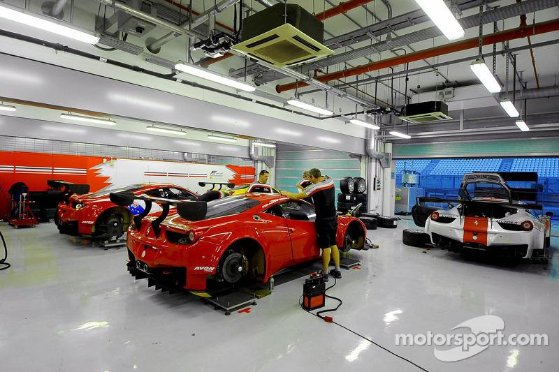 Ferrari'ler hazırlanıyor