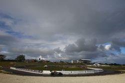 Uğursuz bulutlar Barbados üstünde