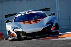 #60 McLaren 650S GT3: Peter Kox, Nico Pronk, Gilles Vannelet