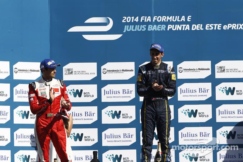 Após o oitavo lugar na estreia e um abandono na Malásia, Nelsinho conseguiu seu primeiro pódio em Punta del Este, com a segunda colocação.