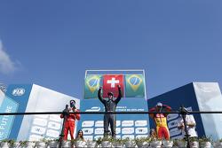 Podio: vincitore Sebastien Buemi, e.dams-Renault, secondo posto di Nelson Piquet Jr., China Racing, terzo posto Lucas di Grassi, Audi Sport ABT