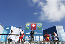 Podium: 1er Sébastien Buemi, e.dams-Renault, 2ème Nelson Piquet Jr., China Racing, 3ème Lucas di Gra