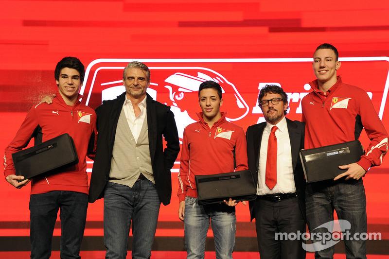 Maurizio Arrivabene, Sergio Marchionne con pilotos de Ferrari Drivers Academy