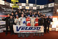 Podium: #11 Formula Racing Seat Leon: Jose Antonio Monroy , Mikkel Mac, Lars Steffensen, Bo McCormick, Johnny Laursen y el equipo celebra