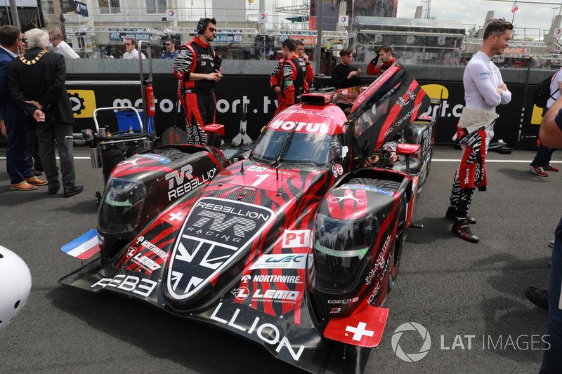 Машина под гордым номером 1 была у Rebellion Racing. Ее пилотировали Андре Лоттерер, Нил Джани и Бруно Сенна