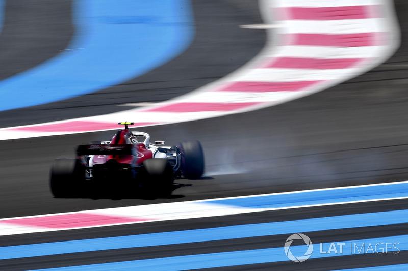 Charles Leclerc, Sauber C37 hace un trompo