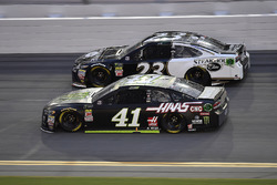 Kurt Busch, Stewart-Haas Racing, Ford Fusion Monster Energy / Haas Automation and J.J. Yeley, BK Racing, Toyota Camry Steakhouse Elite