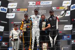 Podium: race winner Dusan Borkovic, Target Competition Hyundai i30 N TCR, second place Stian Paulsen, Stian Paulsen Racing Cupra TCR, third place Dániel Nagy, M1RA Hyundai i30 N TCR