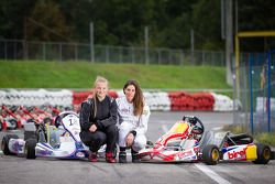 辛迪·阿勒曼与她的车手劳拉·厄伦