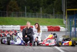 Cyndie Allemann met haar rijder Laura Ehren