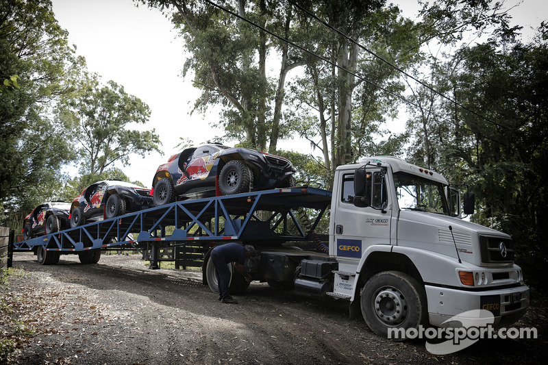 Peugeot Team, Ankunft bei den Testfahrten