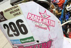 Paris Hilton, detalle