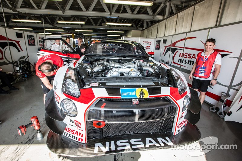 #23 Nissan GT Academy Team RJN, Nissan GTR GT3