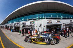 #14 Abu Dhabi Racing Black Falcon Mercedes SLS AMG GT3: Khaled Al Qubaisi, Jeroen Bleekemolen, Bernd